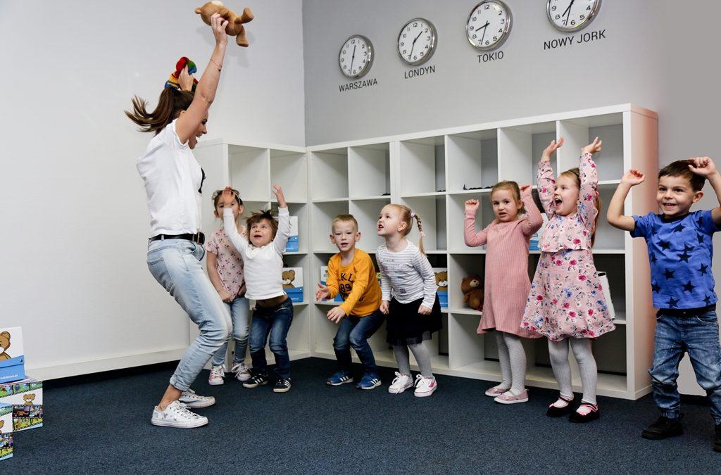 Dobra szkoła językowa – czyli jaka? Jak wybrać dobrą szkołę językową dla dziecka?